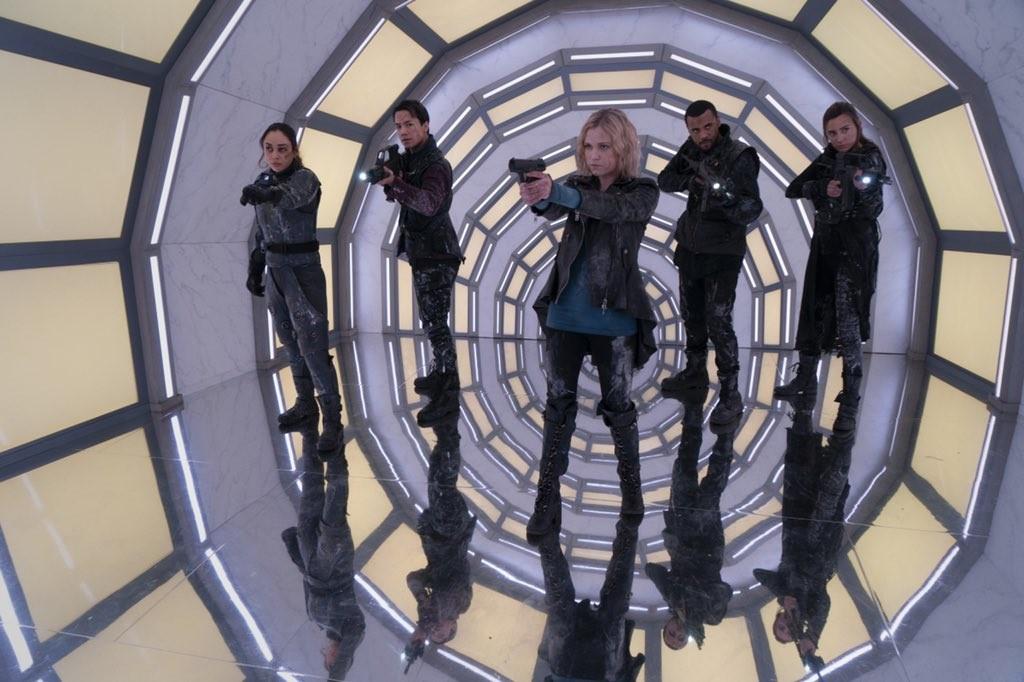 Clarke (Eliza Taylor) und ihre Freunde sehen sich auf Bardo ihrer bisher größten Bedrohung gegenüber. The CW