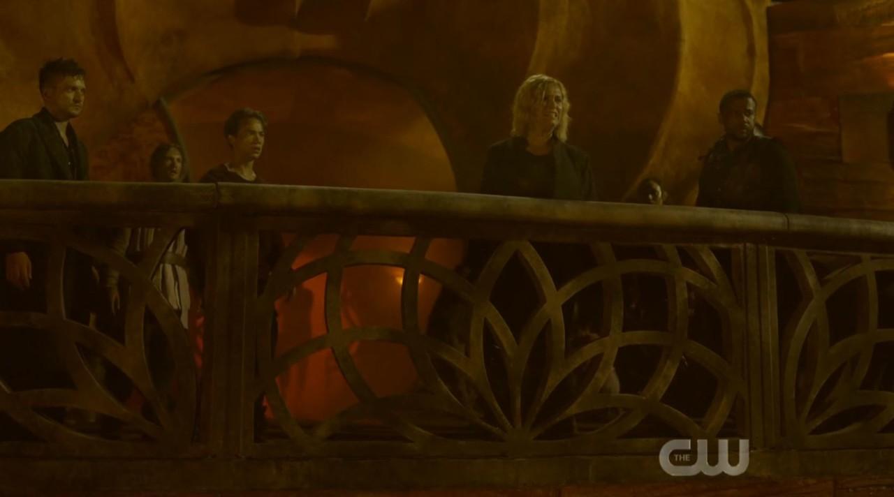 Clarke (Eliza Taylor) legt neue Regeln fest. The CW