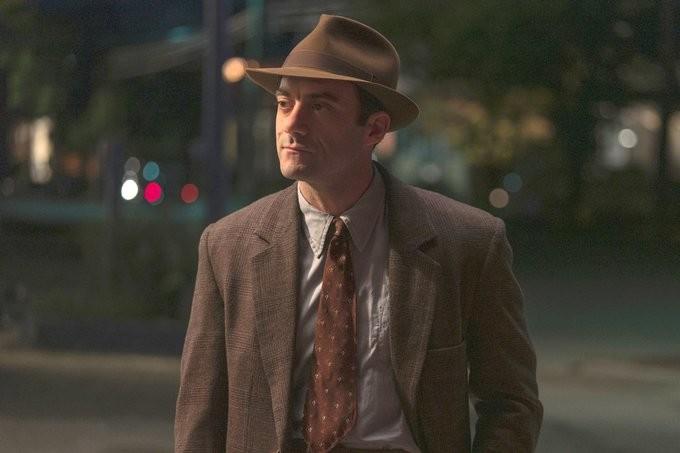 Herman (Morgan Spector) ist ein optimistischer Familienvater, der versucht, seine Familie durch schwierige Zeiten zu manövrieren. HBO