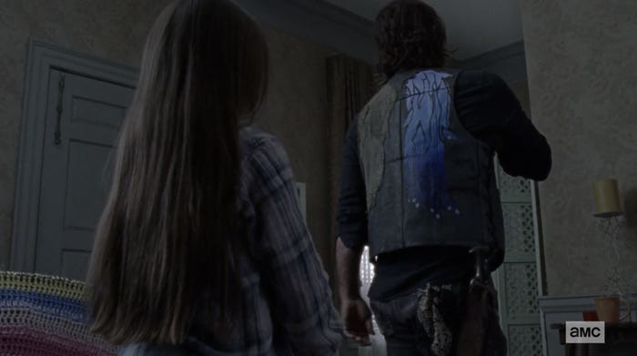 Judith (Cailey Fleming) hat eine Überraschung für Daryl (Norman Reedus). AMC