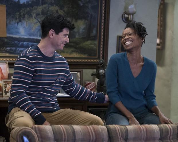 DJ (Michael Fishman) mit seiner Frau Geena (Maya Lynne Robinson) (Bild: ABC)