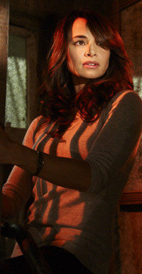 Die ihren Chef anhimmelnde Assistentin: Dr. Nora Martinez (Mía Maestro)