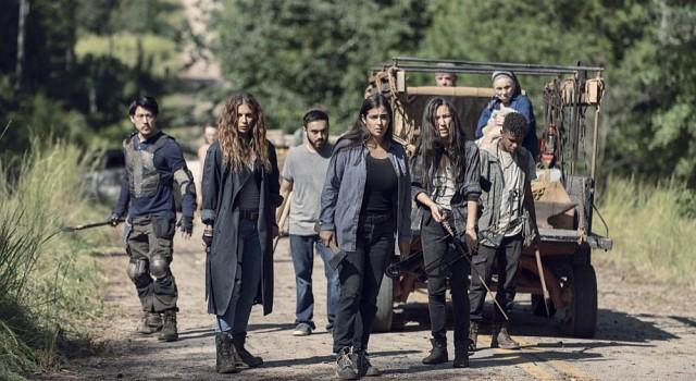 Taras (Alanna Masterson) Gruppe muss mit einer Herde Walker fertig werden.