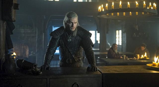 Geralt (Henry Cavill) ist kein willkommener Gast.