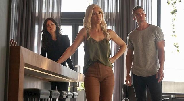 Auch die alten titans jetzt gerne in Zivil: Donna Troy (Conor Leslie), Dawn Granger (Minka Kelly) und Hank Hall (Alan Ritchson)