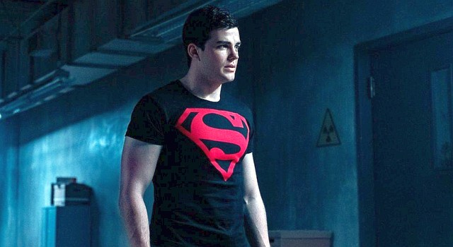 Fühlt sich merkwürdig zu dem Superman-Merchadising hingezogen: Connor (Joshua Orpin).