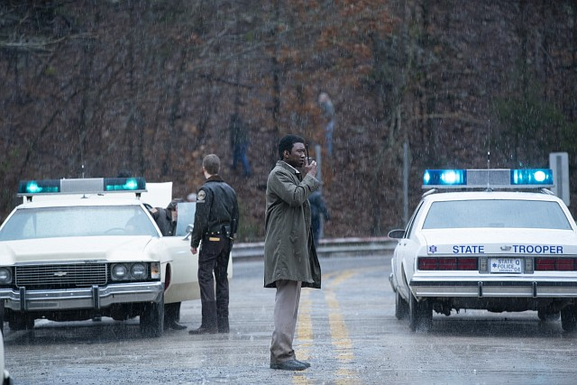 Wayne Hays (Mahershala Ali) im Zentrum einer Suchaktion HBO