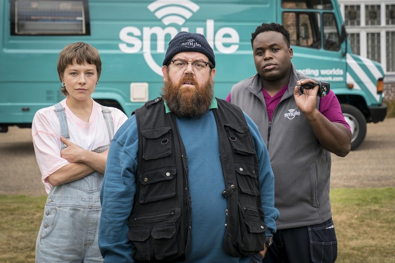 Das Team: Astrid (Emma D'Arcy), Gus (Nick Frost) und Elton (Samson Kayo) Colin Hutton/Amazon Prime/Stolen Pictures