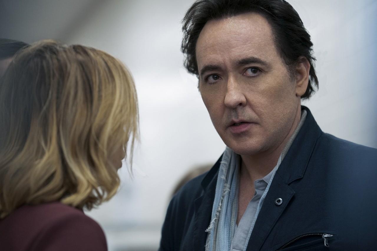 "John Cusack als Dr. Kevin Christie in ""Utopia"" Elizabeth Morris/Amazon Prime Video"