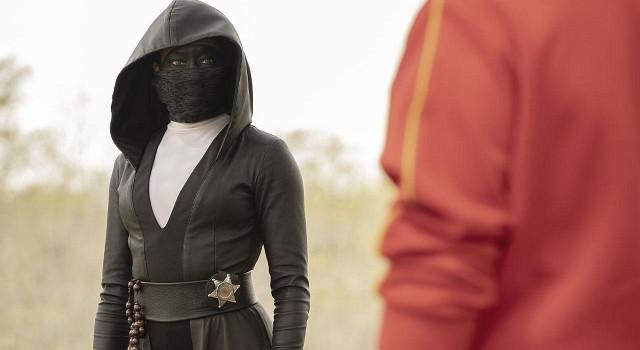 Treffen sich zwei Polisten aus Tusla…Die Maskierung der Detectives wechselt zwischen Ninja und Trainingsanzug – aber Hauptsache Maske.