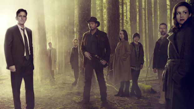 Traue niemandem: Ethan Burke (Matt Dillon, l.), verloren in den Wäldern von Wayward Pines Bild: