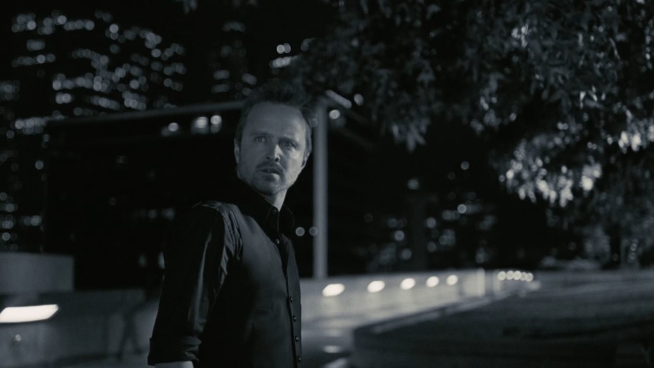 Calebs (Aaron Paul) Trip beginnt im Film Noir. HBO