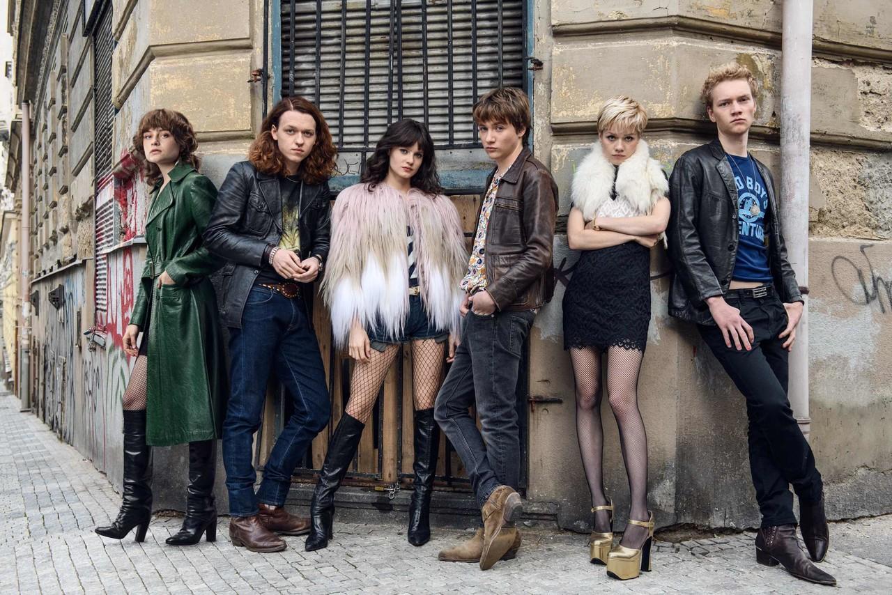 Die sechs Freunde teilen ihr Schicksal auf Berlins Straßen. Constantin Television Mike Kraus