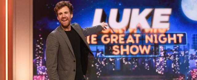 """Acht Wochen lang strahlte Sat.1 am Freitagabend zur besten Sendezeit """"Luke! Die Greatnightshow"""" aus. Luke Mockridge präsentierte – abgesehen vom medial extrem aufgebauschten """"Skandal"""" rund um seinen Auftritt im """"ZDF-Fernsehgarten"""" – ein vielfältiges Programm, wie man es inzwischen nur noch äußerst selten in Unterhaltungsshows zu sehen bekommt. Der Auftakt holte 12,8 Prozent Marktanteil in der jungen Zielgruppe, der Staffeldurchschnitt betrug für Sat.1 äußerst solide 9,6 Prozent, so dass einer Fortsetzung nichts Weg steht. Sat.1/Steffen Z. Wolff"""