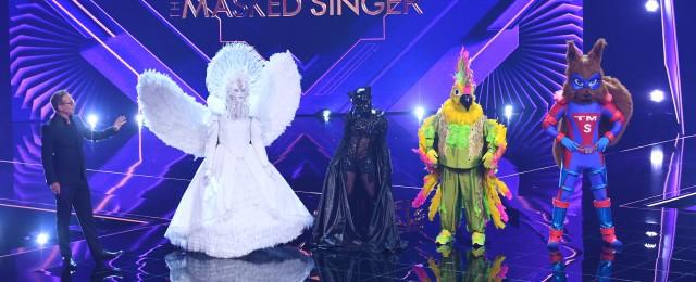 """Zweifelsohne der erfolgreichste Show-Neustart seit langer Zeit war """"The Masked Singer"""". Nach einem bereits überragenden Start konnte sich die ProSieben-Musikrateshow kontinuierlich steigern. Das Finale erzielte unglaubliche 38,5 Prozent Marktanteil bei den 14- bis 49-Jährigen. Fast noch bedeutender: Mit """"The Masked Singer"""" erreichte der sonst sehr aufs junge Publikum fixierte Sender alle Altersklassen, so dass insgesamt weit überdurchschnittliche 4,34 Millionen Zuschauer mitverfolgten, wie Max Mutzke im Finale seinen Astronautenhelm abnahm. ProSieben/Willi Weber"""