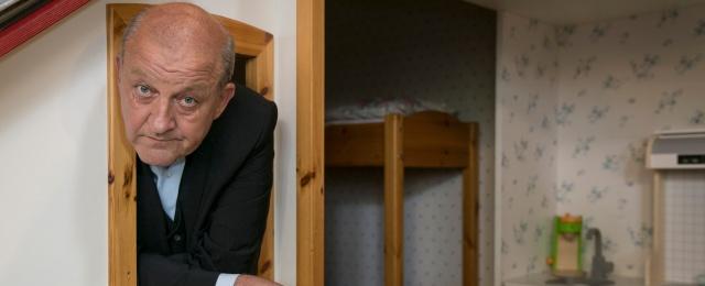 """Leonard Lansinks Paraderolle als Georg Wilsberg ist für das ZDF Gold wert. Seit dem Start im Jahr 1995 ist die Krimiserie """"Wilsberg"""" unfassbar erfolgreich. Mit Quoten von häufig mehr als sieben Millionen Zuschauern zählt sie zu den beliebtesten deutschen Krimiserien überhaupt. ZDF/Thomas Kost"""