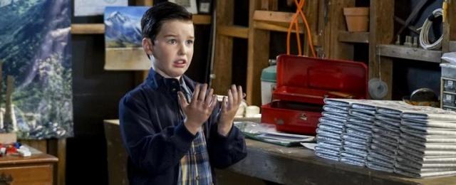 """Das """"Big Bang Theory""""-Spin-Off """"Young Sheldon"""" ist für ProSieben weiterhin ein Erfolg – wenngleich die jüngste Staffel nicht mit dem überragenden Serienstart 2018 mithalten konnte. Aber mit durchschnittlich 13,9 Prozent Zielgruppen-Marktanteil und einer Gesamtreichweite von 1,82 Millionen ist """"Young Sheldon"""" eines der wenigen Serien-Glanzlichter von ProSieben. Warner Bros."""