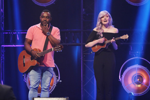Musikalische Einlage von Nelson Müller und Madeline Juno. RTL/Ralf Jürgens
