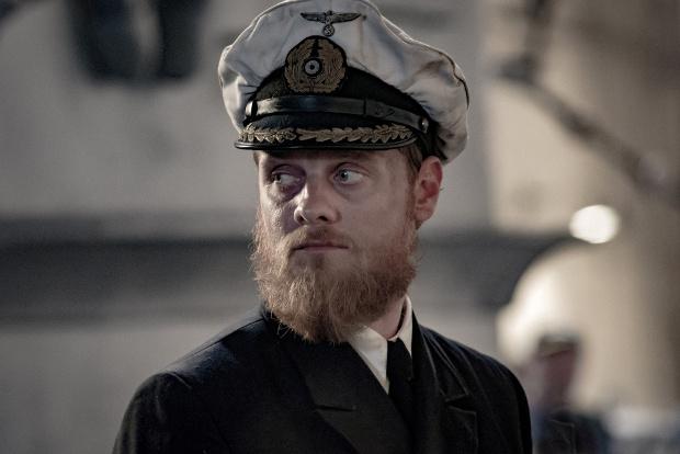 Stefan Konarske als U-Boot-Kapitän Ulrich WrangelBild: ZDF/Nik Konietzny