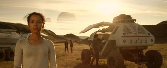 """Inhaltlich eines der schwächsten Prestigeprojekte des Kalenderjahres 2018 bei Netflix war sicherlich die Neuauflage von """"Lost in Space"""". Das einzige, was hier deutlich in Erinnerung blieb, war die unverhohlene Schleichwerbung für Kekse von Oreo. Netflix"""