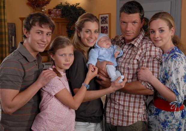Die neue Generation: Daniel, Lisa, Sonja, Lukas, Stefan, Jenny (Bild: ZDF/Elke Werner)