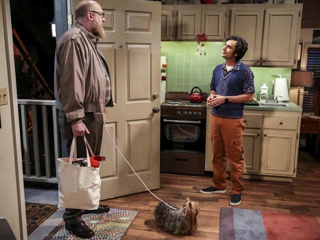 Beispiel für einen zurückgekehrten Gaststar: Bert passt auf Rajs Hund Cinnamon auf, während Raj nach Stockholm fliegt. CBS/Warner Bros. TV