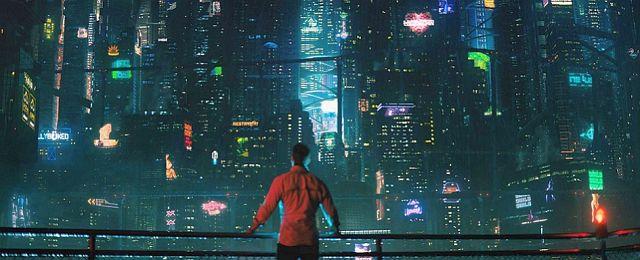 """Mit der Science-Fiction-Serie """"Altered Carbon"""" gelang Netflix in diesem Jahr ein überraschend großer Erfolg (Disclaimer: Netflix veröffentlicht keine Zugriffszahlen, der """"Erfolg"""" kann nur an den Zuschauerreaktionen abgeleitet werden). In der Zukunft kann darin das Bewusstsein von Menschen frei zwischen unterschiedlichen Körpern transferiert werden, virtuelle Unsterblichkeit rückt für die Reichen in greifbare Nähe. Netflix"""