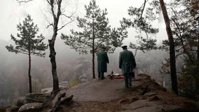 Romantische Picknicks sollte man nicht am Rande eines Abgrunds veranstalten. ZDF