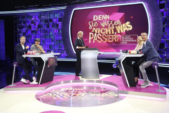 Oliver Pocher und Pietro Lombardi spielten gegen Barbara Schöneberger und Günther Jauch. Thomas Gottschalk moderierte diese Ausgabe. (Bild: MG RTL D/Frank Hempel)