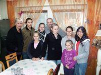 Familie Wollny bekommt bekommt Zuwachs von der Chinesischen Studentin June... – © RTL II