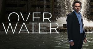 Over Water – Im Netz der Lügen – Bild: Panenka/VRT
