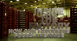 Essen vom Fließband – Bild: BBC Two/Screenshot