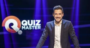 Promi-Quizmaster – Bild: Servus TV